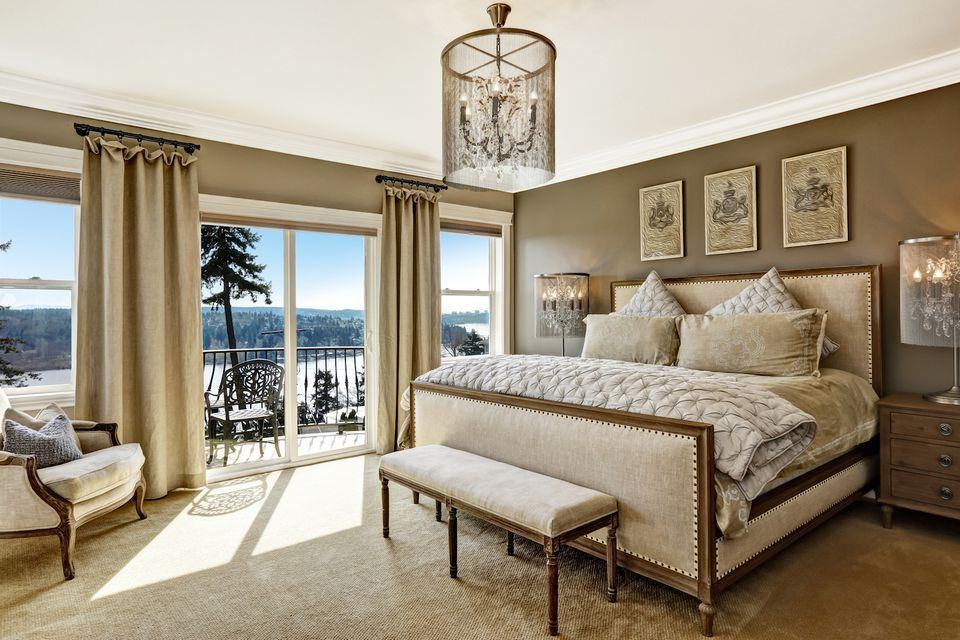 window coverings ideas bedroom 581554603df78cc2e8c37ee4 - Ý Tưởng Màn Cửa Đẹp Cho Căn Hộ Chuẩn Bị Rao Bán