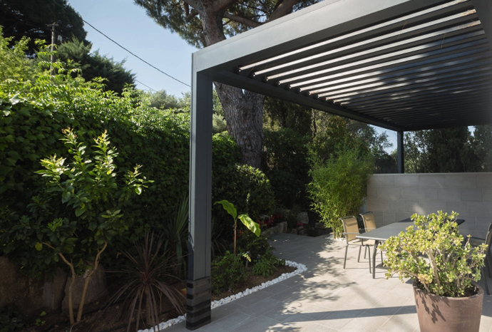 Louvered Roof Camargue-3