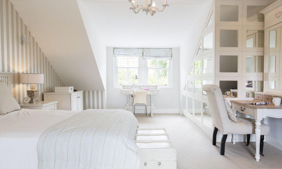 small bed room 3 - Cách Làm Phòng Ngủ Nhỏ Trở Nên Lớn Hơn